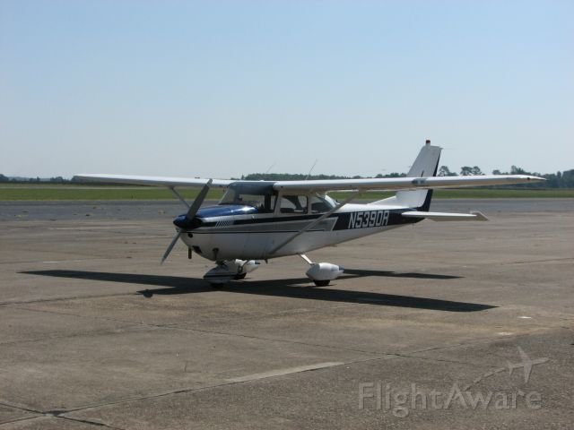Cessna Skyhawk (N5390R)