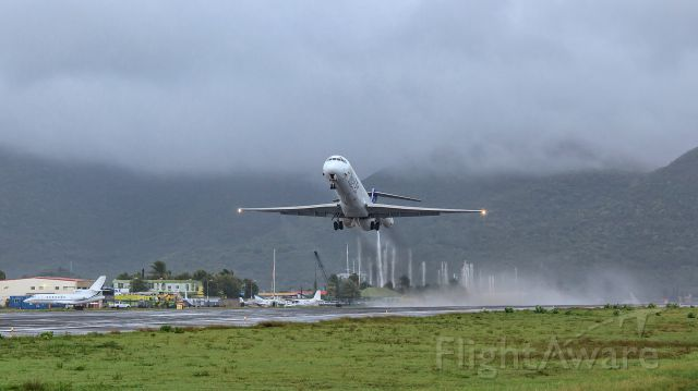 McDonnell Douglas MD-83 (P4-MDG) - take off in 28