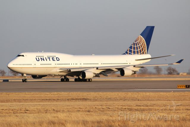 Boeing 747-400 (N127UA) - First B747 to have the United/Continental paint scheme.