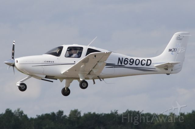 Cirrus SR-22 (N690CD) - Doing some touch and gos on a windy evening in Minneapolis
