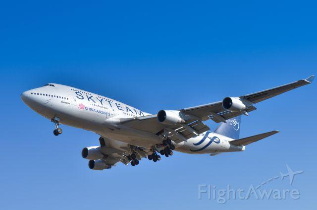 Boeing 747-400 (B-18206) - Rwy 34R,Narita,Tokyo