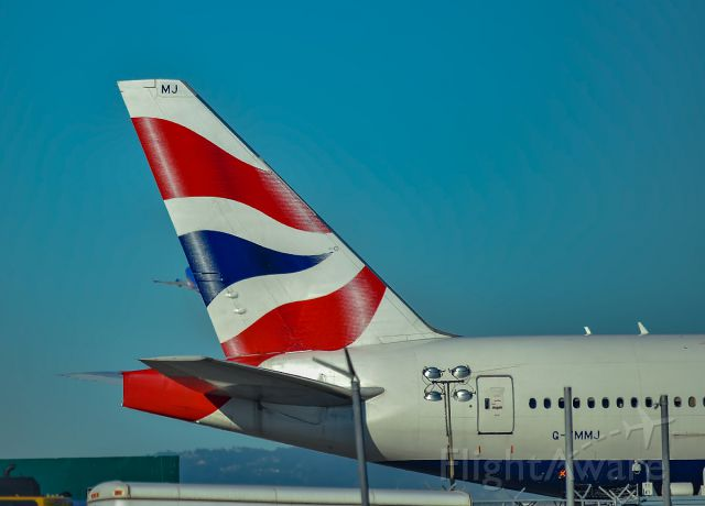 Boeing 777-200 (G-YMMJ) - The Union Jack is definitely the main feature of this shot