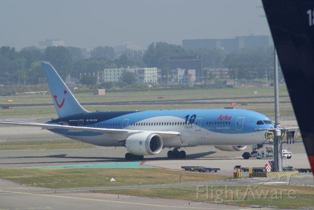 Boeing 787-8 (PH-TFK) - ArkeFly B787-8 Dreamliner cn36427