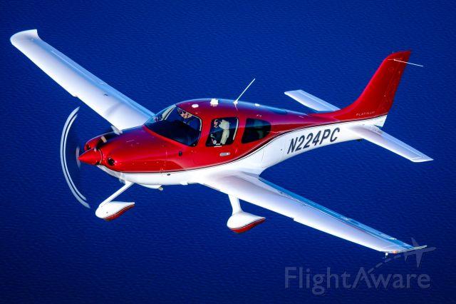 Cirrus SR-22 (N224PC)