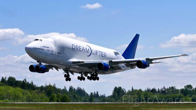 Boeing Dreamlifter (N747BC) - GTI4351 from KCHS on final to Rwy 34L on 5.22.19. (B747-4J6(BLCF) / ln 904 / cn 25879).