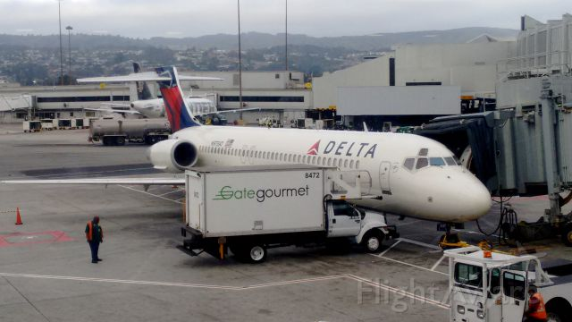Boeing 717-200 (N975AT) - Seen at gate 40 of the C concourse at SFO. This plane was serving as a delta shuttle with service to LAX