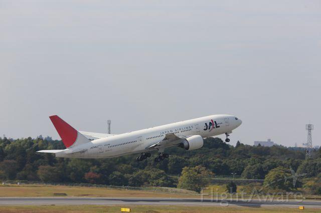 Boeing 777-200 (JA704J)