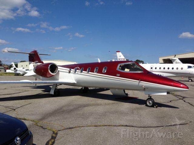 Learjet 31 (N36BL) - brand new paint...