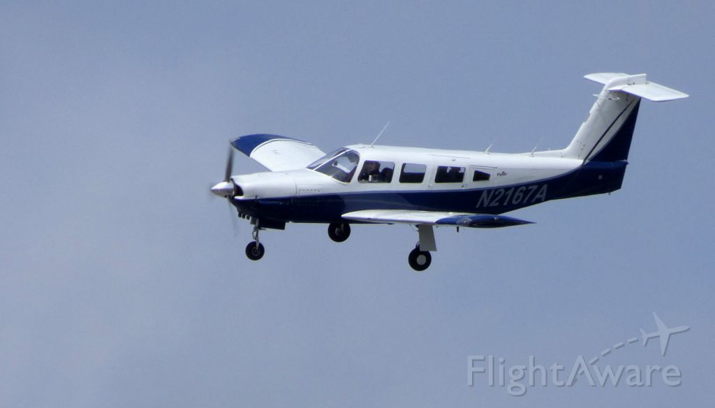 Piper Lance 2 (N2167A) - On final is this 1978 Piper Saratoga/Lance II PA-32RT-300 in the Spring of 2019.