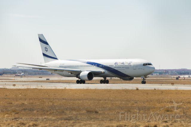 4X-EAR — - El Al Boeing 767-352(ER) taxiing to runway 23R (Wendy`s Runway) at Pearson Intl.