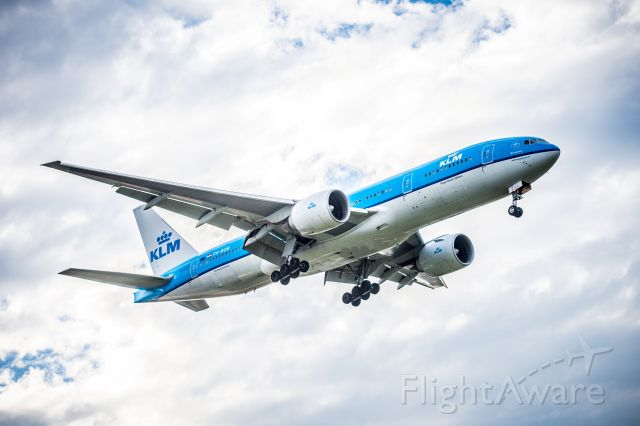 Boeing 777-200 (PH-BQB)