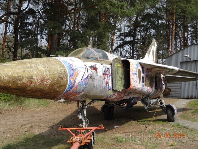 MIG23 — - Mikojan Gurewitsch=MiG 23,first flight 06/1967, length=17 Meter, Span=14 Meter , NATO Cod Name = Flogger -