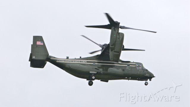Bell V-22 Osprey (16-8284) - Presidential / USMC MV-22B #168284 with HMX-1 on final to Rwy 16R on 4/19/14. (Code 02 / cn D0201).