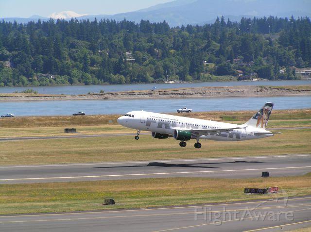 Airbus A320 (N214FR) - 2011-07-06  1138 PDT
