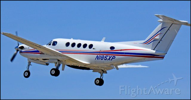 Beechcraft King Air 90 (N185XP)