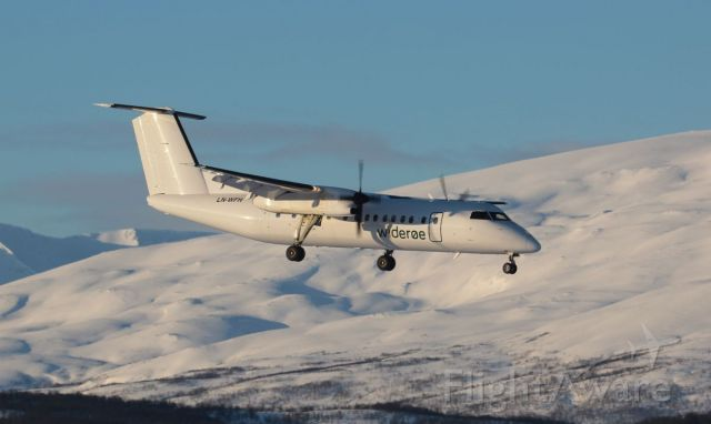 de Havilland Dash 8-300 (LN-WFH)