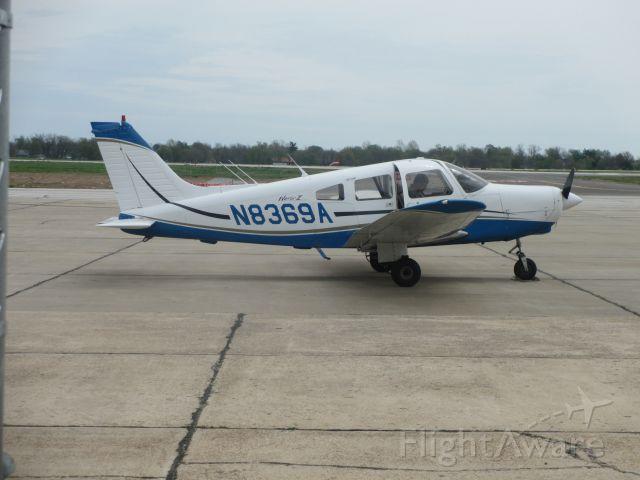Piper Cherokee (N8369A) - Piper Warrior II @ Joplin,MO.