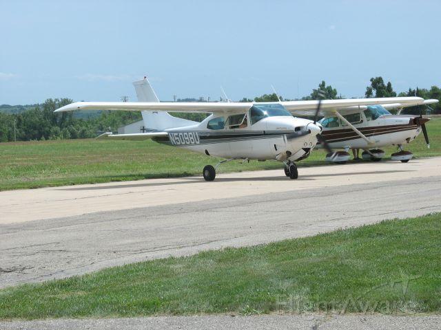 Cessna Centurion (N5098U)