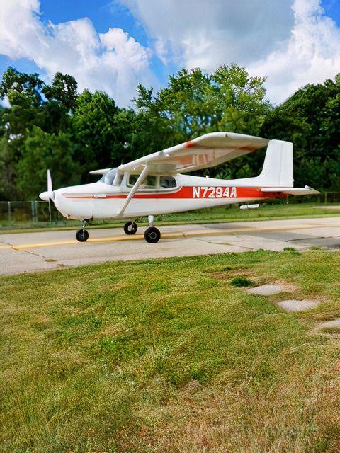 Cessna Skyhawk (N7294A)