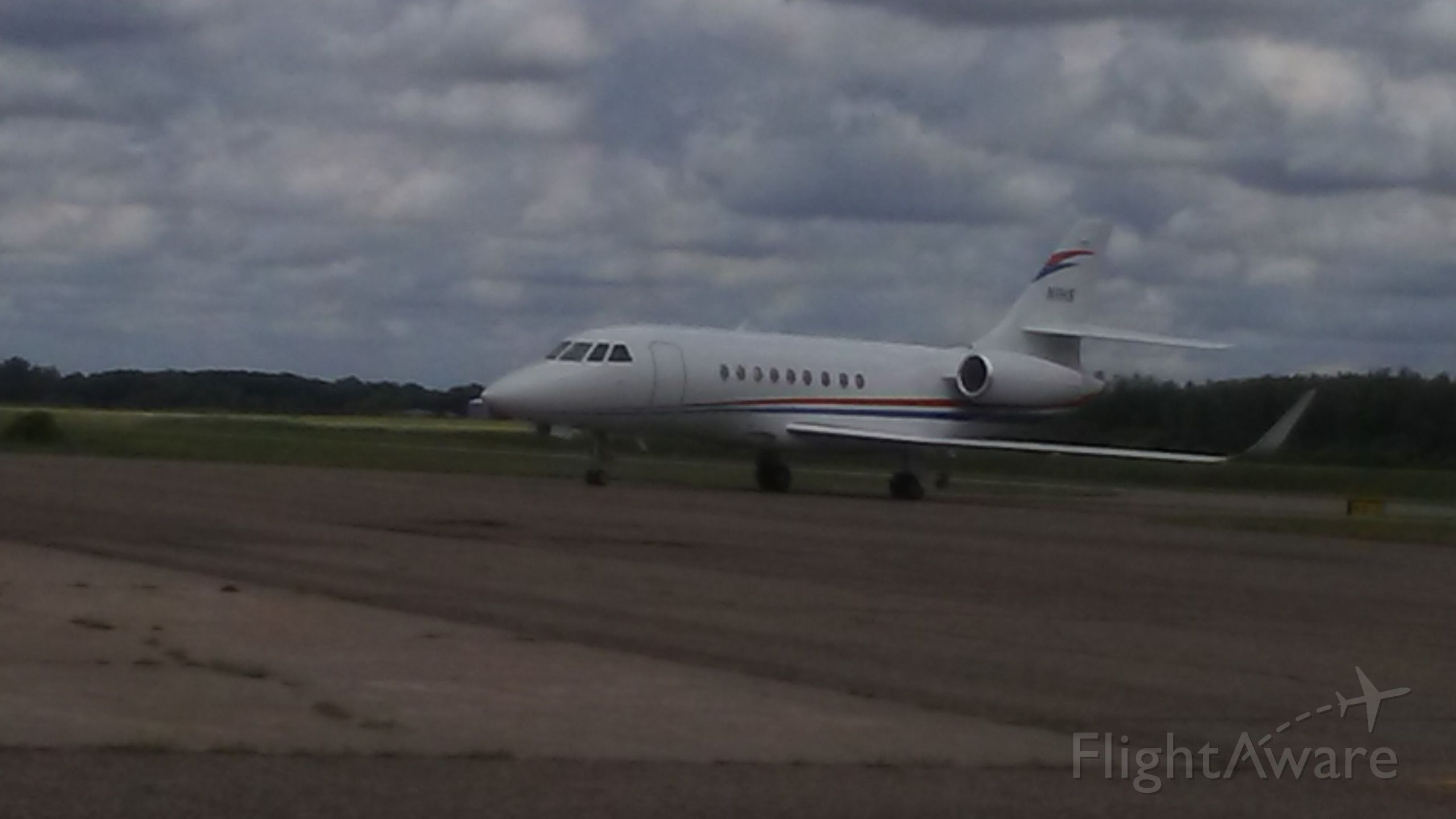 Dassault Falcon 2000 (N1HS) - N1HS COMING TO IT