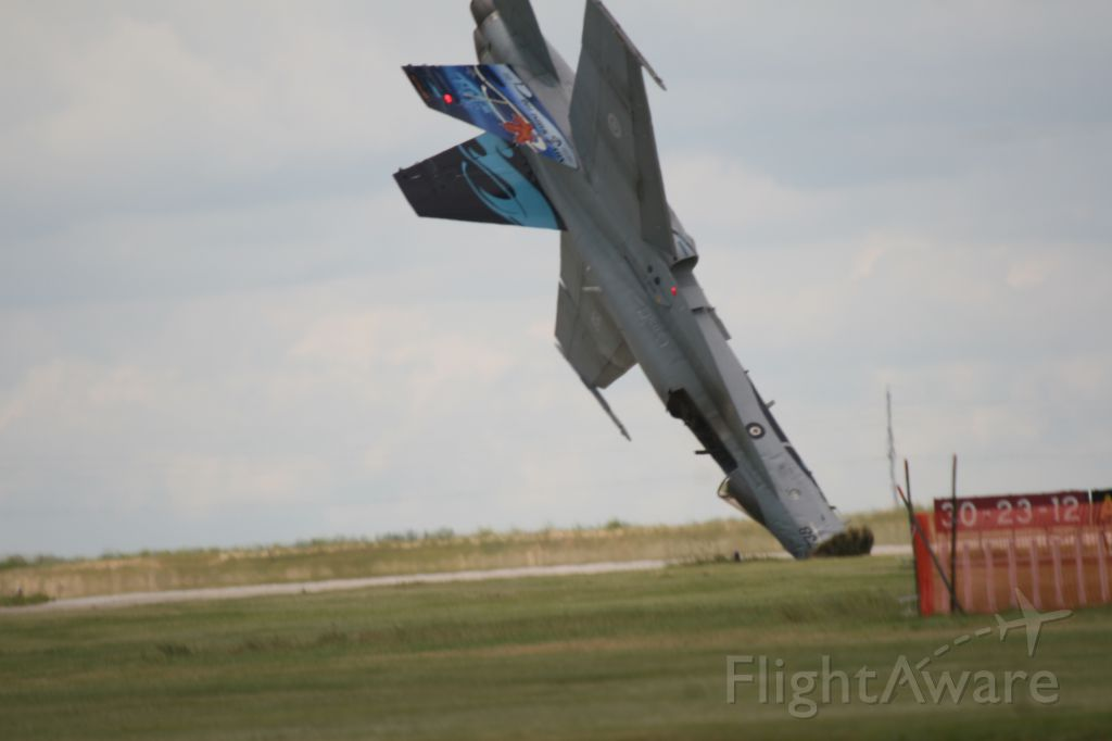McDonnell Douglas FA-18 Hornet (18-8738) - The last 1/10th of a second