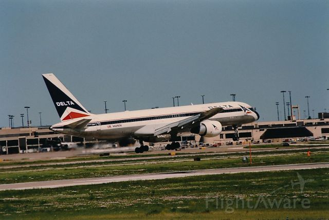 Boeing 757-200 (N669DN) - Delta B-757 landing at KDFW