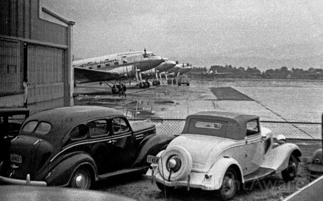 — — - American Airlines DC-3 SkySleeper, Burbank, CA late 40s