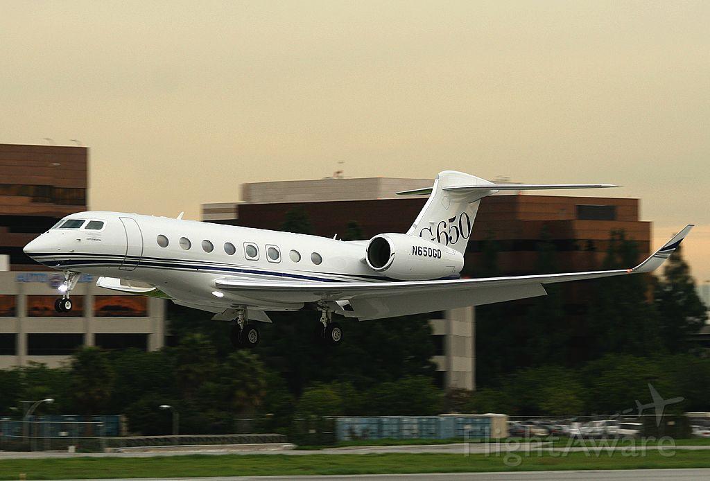 Gulfstream Aerospace Gulfstream G650 (N650GD) - landing at Long Beach , The first one here.
