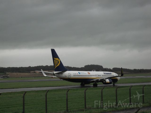 Boeing 737-800 (EI-DAE) - Taxiing to 31