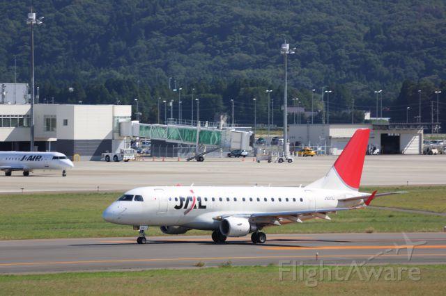 Embraer 170/175 (JA213J)