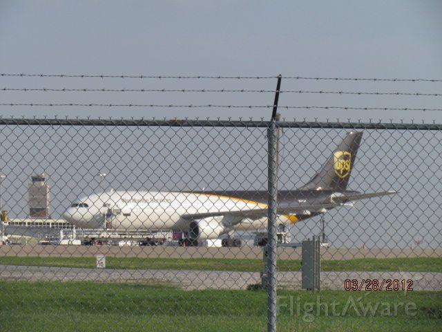 BOEING 767-400 (N161UP)