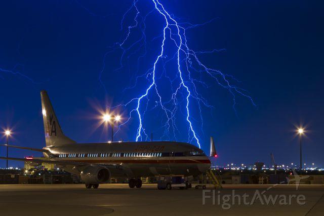 Boeing 737-800 (N935AN) - Aug. 17, 2012.