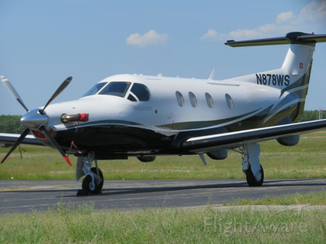 Pilatus PC-12 (N878WS) - This PC-12 gets ready for a departure to Lebanon, New Hampshire.