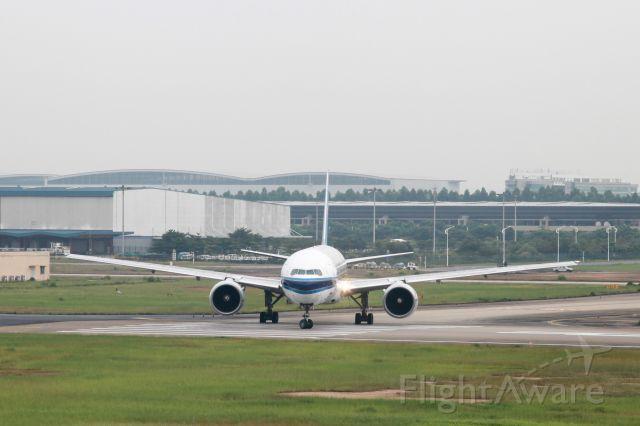 Boeing 777 (B-2057)