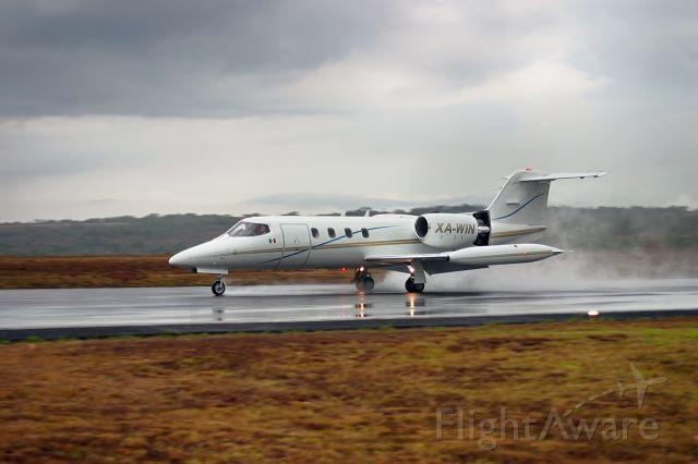 Learjet 31 (XA-WIN)
