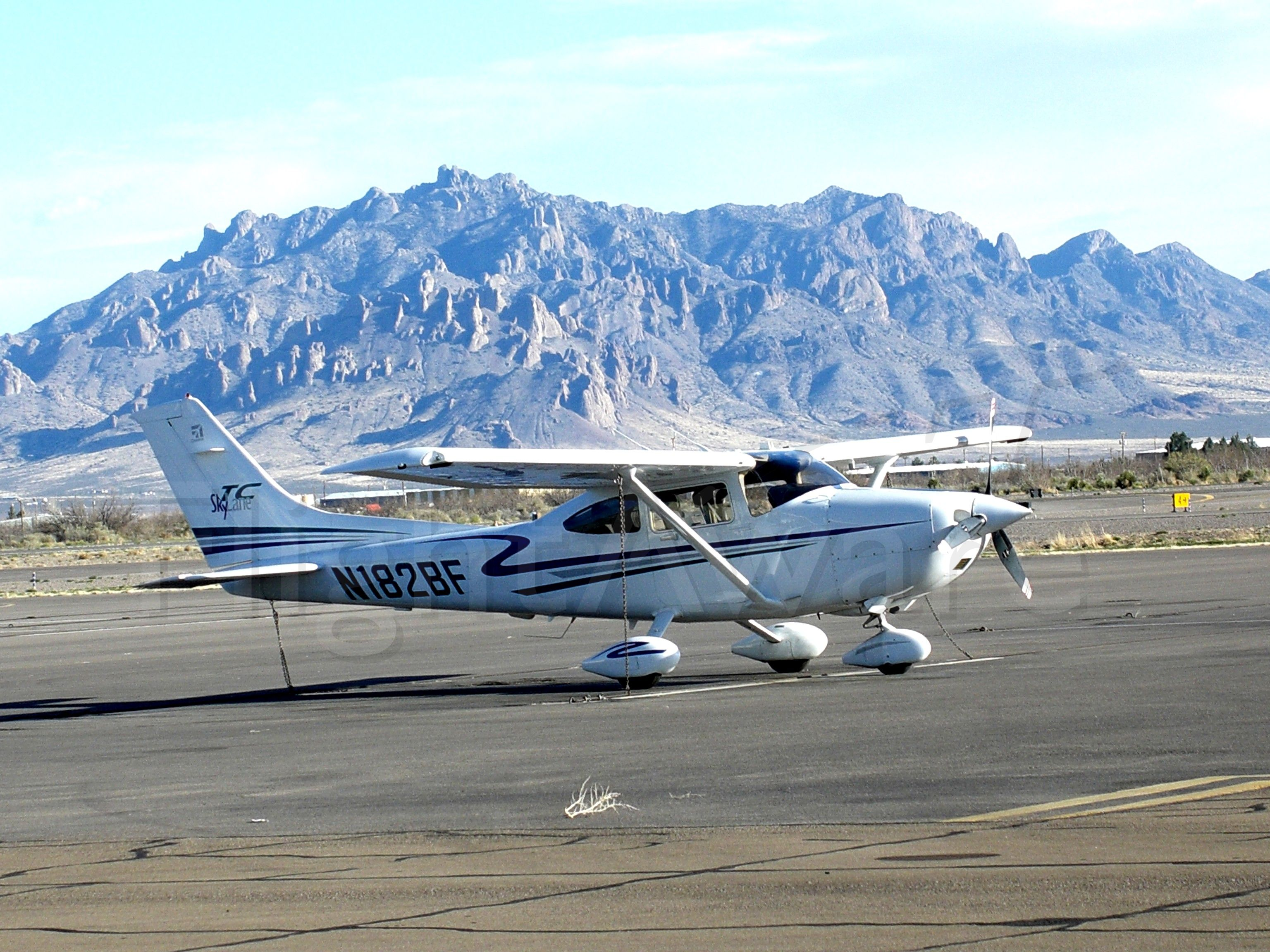Cessna Skylane (N182BF) - Turbo 182T Fuel stop at Deming NM