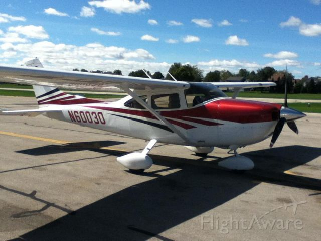 Cessna Skylane (N60030) - At the pumps.