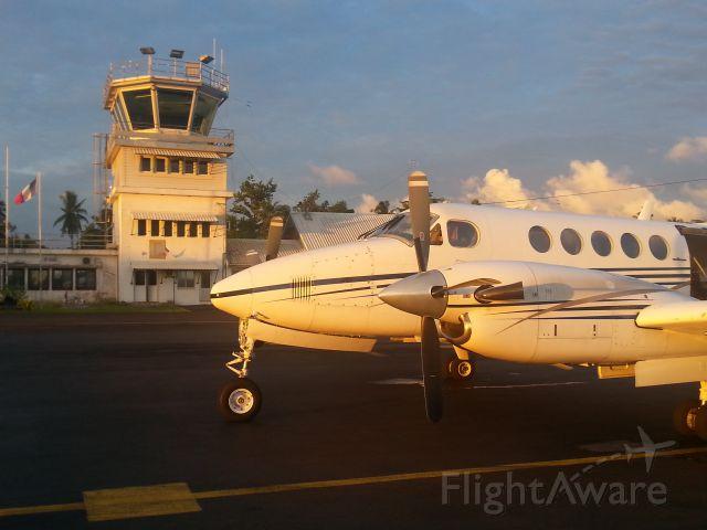 Beechcraft Super King Air 200 (F-OIAA)