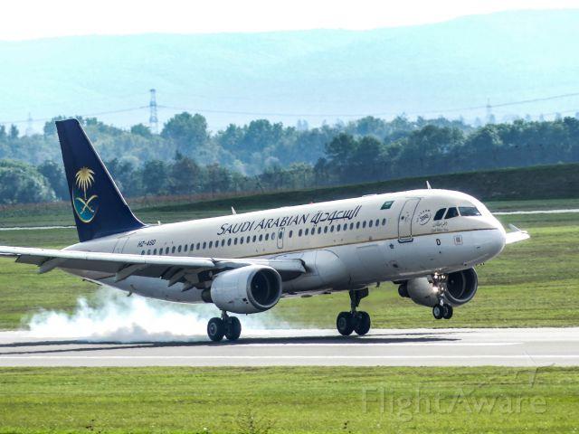 Airbus A320 (HZ-ASD) - Saudia A320-200 [HZ-ASD] Landing VIE RWY34