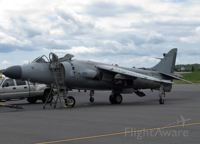 Cessna Skylane (N94422) - British Aerospace Sea Harrier FA2 at Manassas Air Show 2016