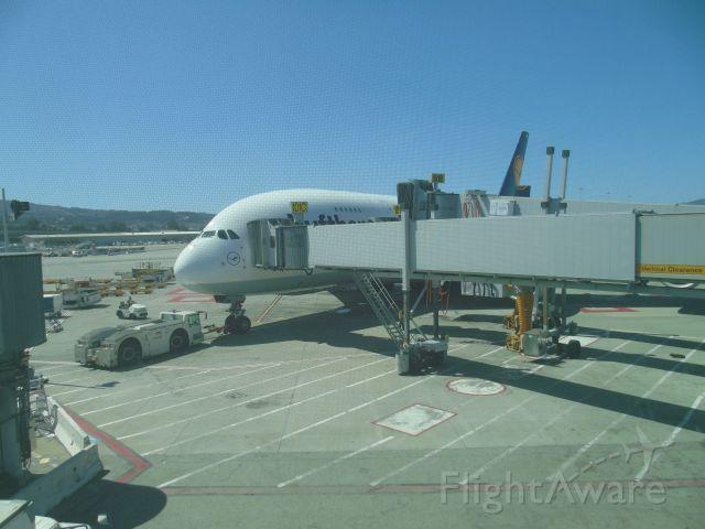 Airbus A380-800 (D-AIMK)