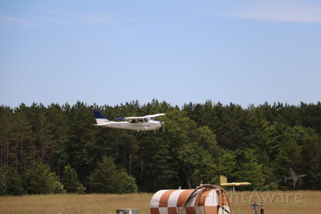 Cessna Skyhawk (N1737F) - EAA Chapter 931, Young Eagles Rally
