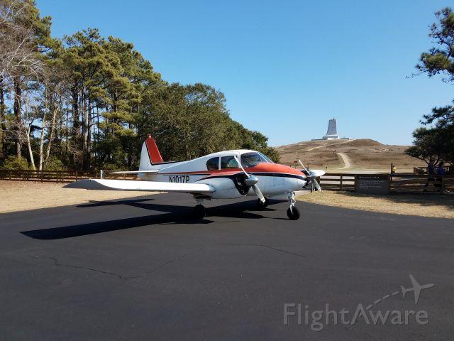 Piper Apache (N1017P)