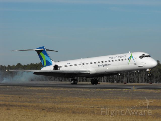 McDonnell Douglas MD-82 (N803WA) - Landing RWY 18 in Tallahassee for a basketball charter from Miami