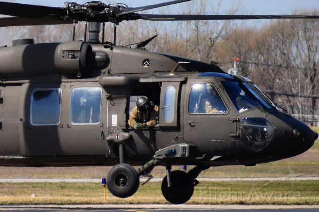 "Sikorsky S-70 (1602844) - 16-02844 / United States Army<br />Sikorsky UH-60M "" Blackhawk ""<br />10th Mountain Div. / Combat Aviation Brigade"