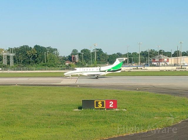 Embraer Phenom 300 (N516N)