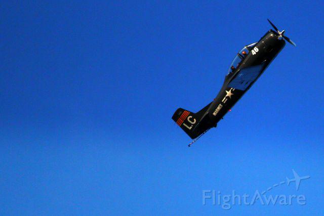 N28LC — - Pilot was making a steep turn.