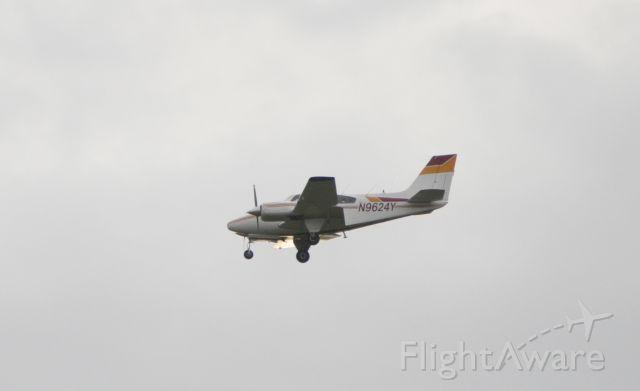 Beechcraft 55 Baron (N9624Y)