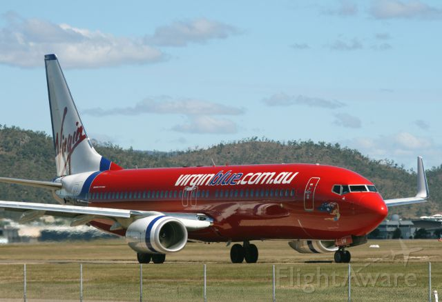 Boeing 737-800 (VH-VUW) - VH-VUW taxiing for departure runway 19 Townsville