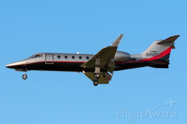 Learjet 31 (N90BA)